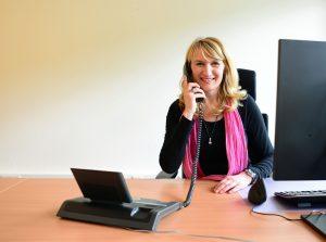 Susanne Blake Kommunikation am Telefon